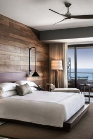 دکوراسیون اتاق خواب با چوب طبیعی