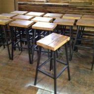 صندلی کافی شاپ چوبی با پایه فلزی و آهنی