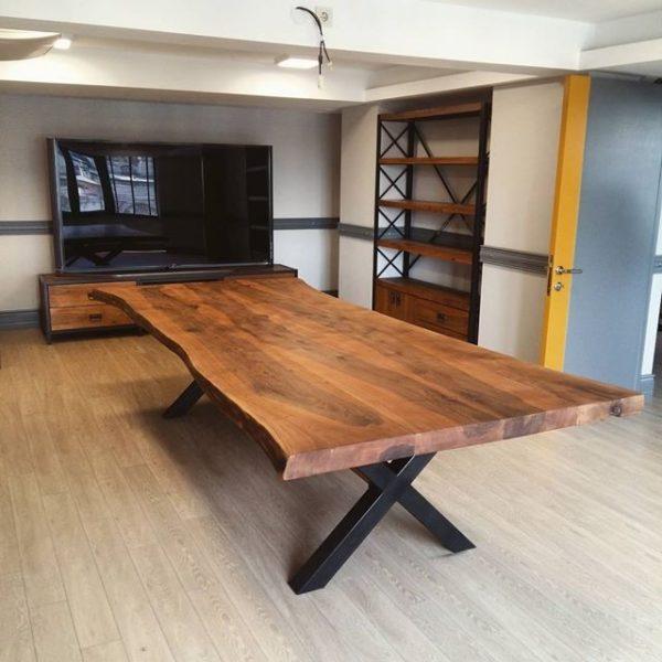 میز ناهار خوری درختی با چوب جنگلی و فرم طبیعی (1)