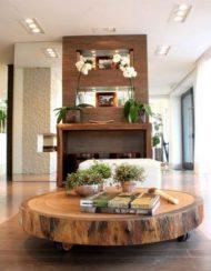 میز چوبی جلو مبلی درختی