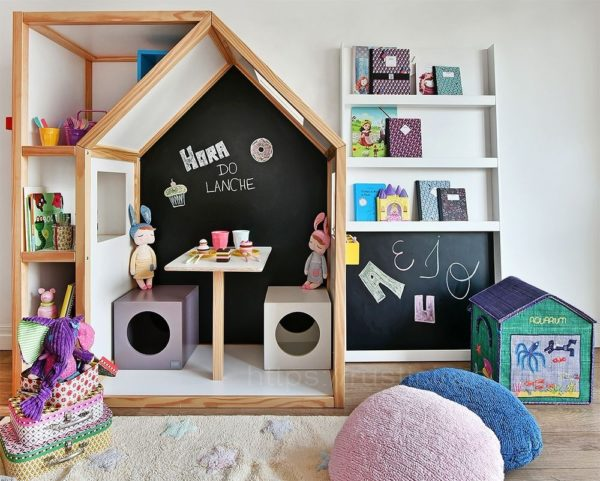 کلبه چوبی برای مهد کودک
