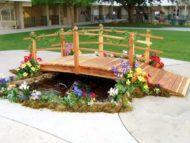 طراحی و اجرای پل چوبی کوچک برای باغ آتلیه عروس داماد