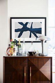 مدل های شیک از میز بار و کانتر کمد دار چوبی