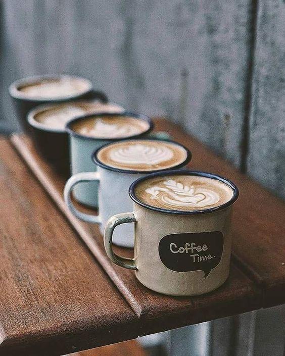 دکوراتور برای دکور کافه