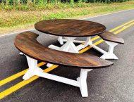 میز و نیمکت گرد و نیم گرد چوبی