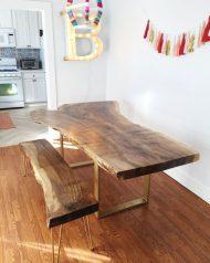 میز ناهار خوری 2 نفره با پایه طلایی
